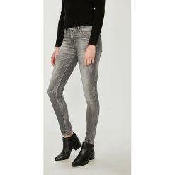 Guess Jeans - Jeansy. Szare jeansy damskie rurki marki Guess Jeans, na co dzień, l, z aplikacjami, z bawełny, casualowe, z okrągłym kołnierzem, mini, dopasowane. Za 549,90 zł.