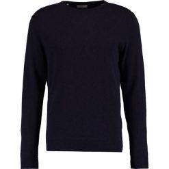 Swetry klasyczne męskie: Selected Homme SHDTOWER CREW NECK Sweter dark sapphire