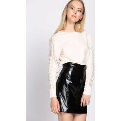 Kremowy Sweter Incubus. Białe swetry klasyczne damskie Born2be, l. Za 64,99 zł.