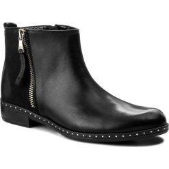 Botki CARINII - B4191/M E50-360-PSK-C63. Czarne buty zimowe damskie Carinii, z nubiku. W wyprzedaży za 209,00 zł.