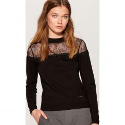 Sweter z koronką - Czarny. Czarne swetry klasyczne damskie marki Mohito, l, z koronki. Za 89,99 zł.
