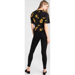 Miss Selfridge STEFFI SUPER Jeans Skinny Fit black. Czarne rurki damskie Miss Selfridge. Za 169,00 zł.