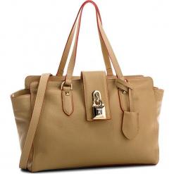 Torebka PATRIZIA PEPE - 2V4912/A4AQ-B626  Spring Beige. Czarne torebki klasyczne damskie marki Patrizia Pepe, ze skóry. W wyprzedaży za 889,00 zł.