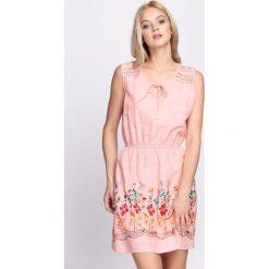 Sukienki: Jasnoróżowa Sukienka She Is The One