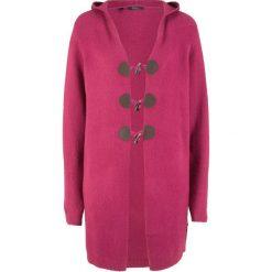 Długi sweter rozpinany z kapturem bonprix jeżynowy. Fioletowe kardigany damskie marki bonprix. Za 129,99 zł.