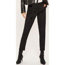 Spodnie typu chino - Szary. Szare chinosy damskie House. Za 89,99 zł.