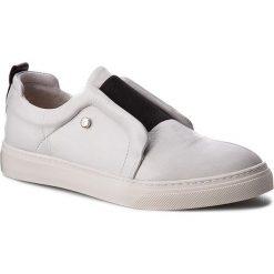 Półbuty KAZAR - Veila 28755-01-01 Biały. Białe półbuty damskie skórzane marki Kazar, na wysokim obcasie, na szpilce. W wyprzedaży za 309,00 zł.
