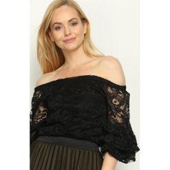 Czarna Bluzka Spanish Lace. Szare bluzki hiszpanki marki Born2be, s, w kwiaty, z długim rękawem. Za 69,99 zł.