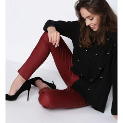 Spodnie damskie: Bordowe Spodnie So Unavailable
