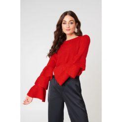 NA-KD Dzianinowy sweter z rękawem z falbanami - Red. Czerwone swetry klasyczne damskie marki NA-KD, z dzianiny, z okrągłym kołnierzem. W wyprzedaży za 85,37 zł.