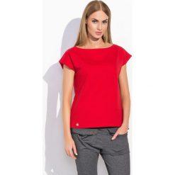 Czerwona Codzienna Bluzka Dzianinowa z Krótkim Rękawem. Czerwone bluzki z odkrytymi ramionami Molly.pl, uniwersalny, z dresówki, klasyczne, z klasycznym kołnierzykiem, z krótkim rękawem. Za 69,90 zł.