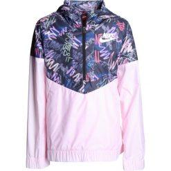 Nike Performance WINDRUNNER  Kurtka do biegania arctic pink/white. Białe kurtki dziewczęce marki 4F JUNIOR, na lato, z materiału. Za 239,00 zł.