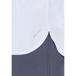 Nike Performance SLAM Top hydrogen blue/pure platinum/dark grey. Czarne topy sportowe damskie marki Nike Performance, l, z materiału, outdoorowe. W wyprzedaży za 164,25 zł.