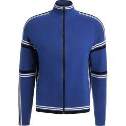 PS by Paul Smith MENS ZIP Kardigan royal blue. Niebieskie kardigany męskie marki PS by Paul Smith, l, z bawełny. W wyprzedaży za 514,50 zł.
