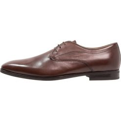 Geox NEW LIFE Eleganckie buty dark brown. Brązowe buty wizytowe męskie Geox, z materiału, na sznurówki. Za 609,00 zł.