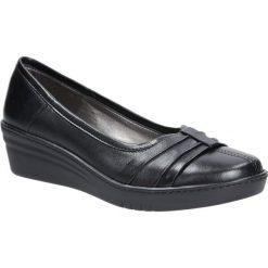 Czarne półbuty skórzane na koturnie Casu 297. Czarne buty ślubne damskie Casu, na koturnie. Za 179,99 zł.