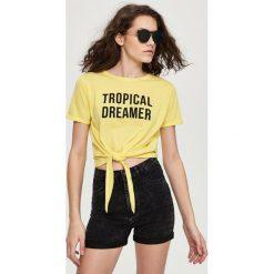 Bermudy damskie: Marmurkowe szorty high waist – Czarny