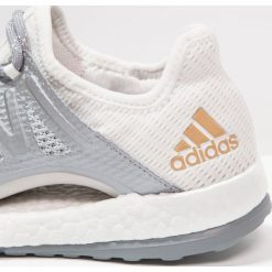 Buty damskie: adidas Performance PURE BOOST XPOSE Obuwie do biegania treningowe grey one/grey three/tactile gold metallic