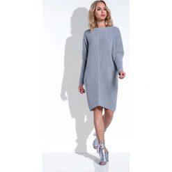 Szara Sukienka Sweter z Rękawem Kimono. Szare sukienki dzianinowe marki Molly.pl, na co dzień, uniwersalny, w jednolite wzory, z dekoltem w łódkę, z długim rękawem, dopasowane. Za 120,00 zł.