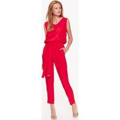 CZERWONY ELEGANCKI KOMBINEZON BEZ RĘKAWÓW. Czerwone kombinezony damskie na lato marki Top Secret, eleganckie, bez rękawów, długie. Za 79,99 zł.