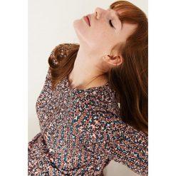 Simple - Bluzka. Brązowe bluzki z odkrytymi ramionami marki Simple, z materiału, casualowe, z okrągłym kołnierzem. W wyprzedaży za 279,90 zł.