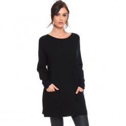 """Sweter """"Marlone"""" w kolorze czarnym. Czarne swetry klasyczne damskie marki Cosy Winter, s, ze splotem, z okrągłym kołnierzem. W wyprzedaży za 181,95 zł."""