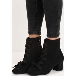 Czarne Botki Stick With You. Czarne botki damskie lity marki Calvin Klein Jeans, z jeansu, na sznurówki. Za 89,99 zł.