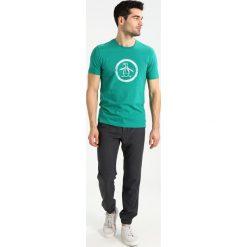 T-shirty męskie z nadrukiem: Original Penguin DISTRESSED CIRCLE LOGO TEE Tshirt z nadrukiem shady glade