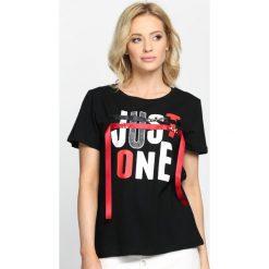 Czarny T-shirt Just One. Białe bluzki nietoperze marki bonprix, z nadrukiem, z wełny. Za 39,99 zł.