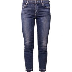 Citizens of Humanity ROCKET CROPPED CUT OFF Jeans Skinny Fit week. Niebieskie rurki damskie Citizens of Humanity, z bawełny. W wyprzedaży za 881,30 zł.