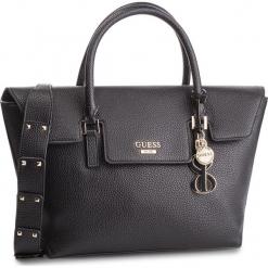 Torebka GUESS - HWVG71 72070 BLA. Czarne torebki klasyczne damskie Guess, z aplikacjami, ze skóry ekologicznej. Za 629,00 zł.