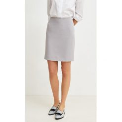 Simple - Spódnica. Szare minispódniczki Simple, z elastanu, dopasowane. W wyprzedaży za 199,90 zł.