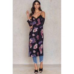 Tranloev Sukienka bieliźniana midi z odkrytymi ramionami - Multicolor. Niebieskie sukienki koronkowe marki Reserved, z odkrytymi ramionami. W wyprzedaży za 85,19 zł.