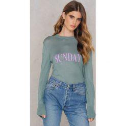 NA-KD Sweter z dzianiny Weekday - Green. Zielone swetry klasyczne damskie marki NA-KD, z dzianiny. W wyprzedaży za 73,58 zł.