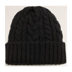 Mango Man - Czapka Eight. Czarne czapki zimowe męskie Mango Man, z dzianiny. Za 69,90 zł.