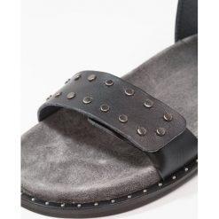 Ca'Shott Sandały black dixon. Czarne sandały trekkingowe damskie Ca'Shott, z materiału. W wyprzedaży za 407,20 zł.
