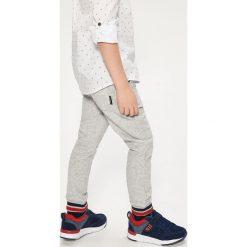 Buty sportowe męskie: Sportowe buty na rzep - Granatowy