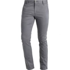 Chinosy męskie: DOCKERS Alpha Chinosy burma grey