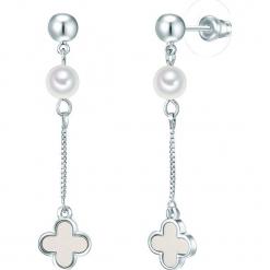 Kolczyki z perłami. Szare kolczyki damskie Pearls Special, z perłą, z mosiądzu. W wyprzedaży za 58,95 zł.