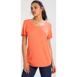 T-shirty damskie: Juvia Tshirt basic lobster