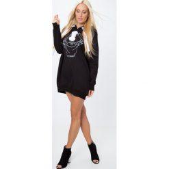 Sukienki dresowe: Sukienka dresowa z aplikacją czarna 1463