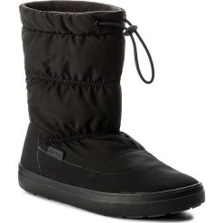 Śniegowce CROCS - Lodgepoint Pull-On Boot 203422 Black. Czarne śniegowce damskie Crocs, z materiału. W wyprzedaży za 249,00 zł.