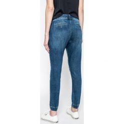 Pepe Jeans - Spodnie Cosie. Szare jeansy damskie Pepe Jeans. W wyprzedaży za 329,90 zł.