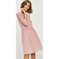 Answear - Sukienka. Szare sukienki mini marki ANSWEAR, na co dzień, l, z elastanu, casualowe, z okrągłym kołnierzem, rozkloszowane. W wyprzedaży za 139,90 zł.