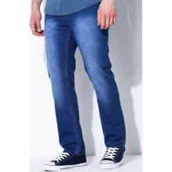 Niebieskie Jeansy Simple Answer. Czarne jeansy męskie z dziurami marki Born2be, l, z aplikacjami, z dresówki. Za 34,99 zł.
