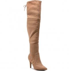 Muszkieterki GUESS - FLNO24 ESU11 DBEIG. Brązowe buty zimowe damskie marki Guess, z materiału, na obcasie. Za 859,00 zł.