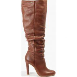 Kozak brązowy Pia. Brązowe buty zimowe damskie Badura. Za 439,99 zł.