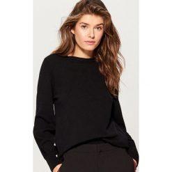 Sweter z marszczonymi rękawami - Czarny. Czarne swetry klasyczne damskie marki Mohito, l. Za 79,99 zł.