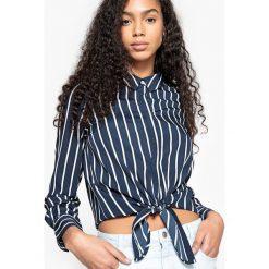 Koszula prosta z kołnierzem polo, koszula, długi rękaw. Niebieskie koszulki polo damskie marki Vero Moda, l, z koszulowym kołnierzykiem, z długim rękawem. Za 96,98 zł.