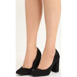 Czarne Czółenka Temptress. Białe buty ślubne damskie marki Reserved, na wysokim obcasie. Za 79,99 zł.